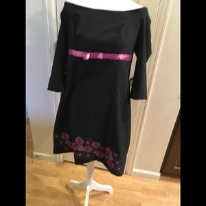 Off the shoulder long sleeve dress w/ flowers